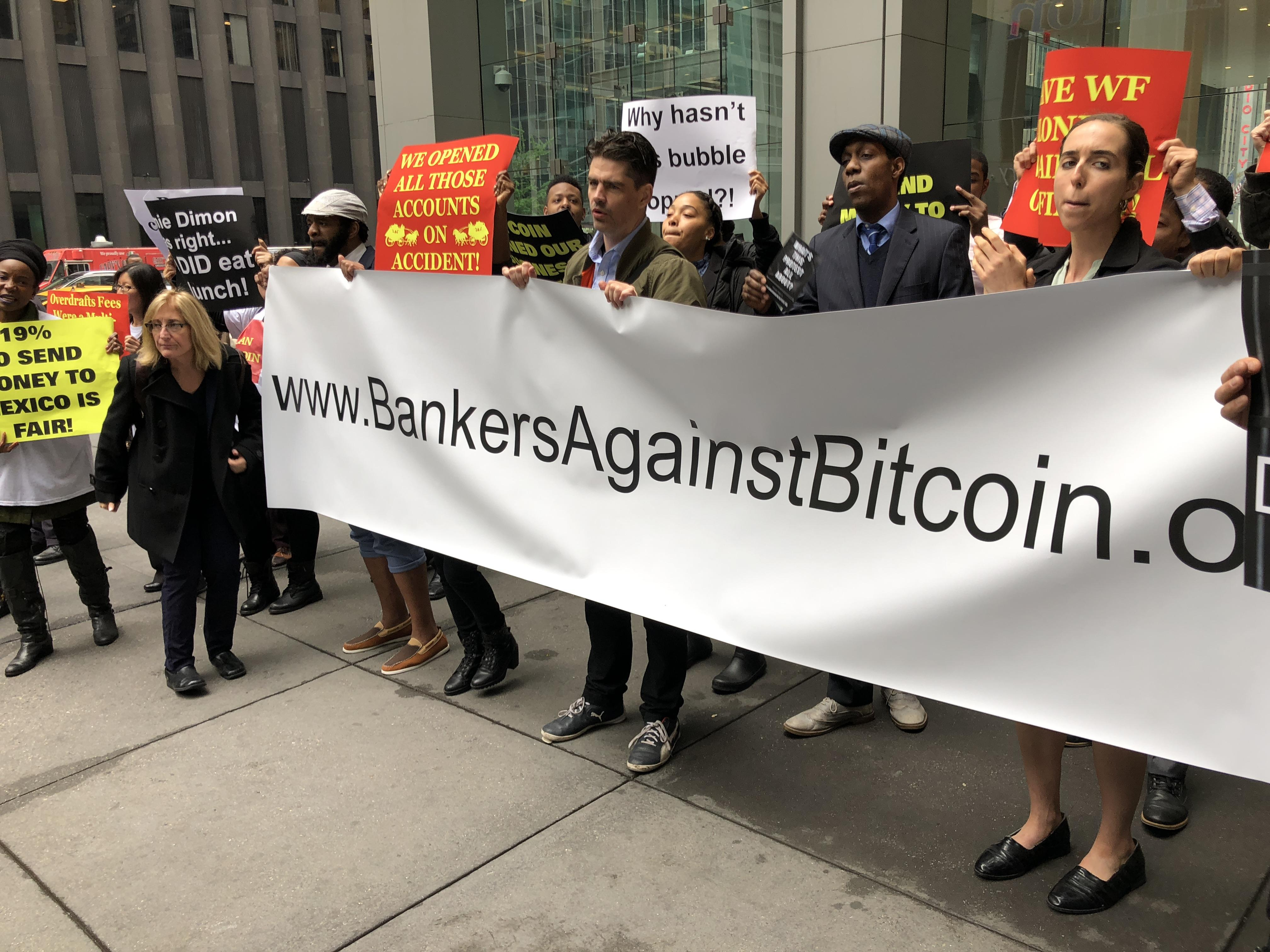 Tutti i banchieri contro Bitcoin