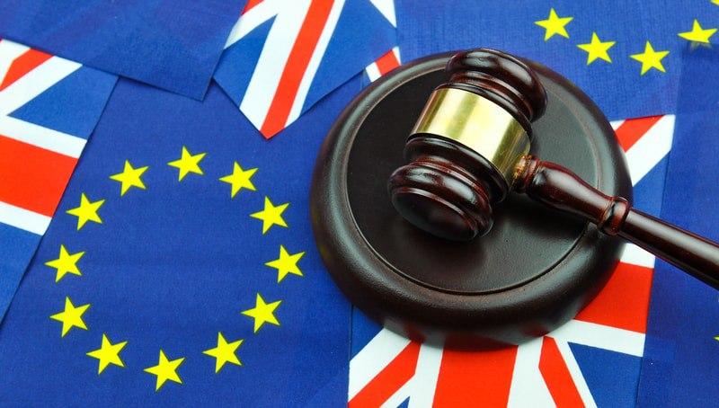 """Regno Unito: """"Aggiornare la legge sugli smart contract"""""""