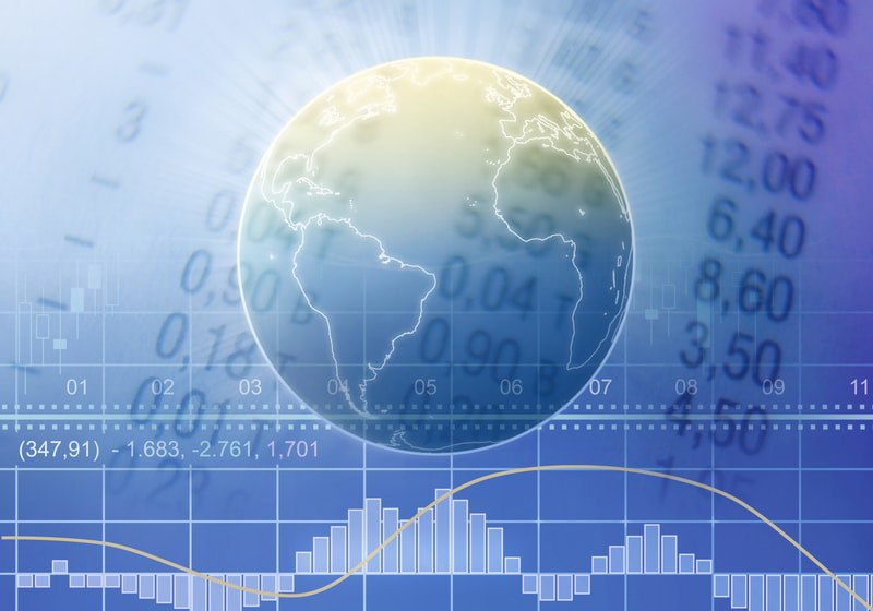 Mercato in rosso, bitcoin con l'elmetto