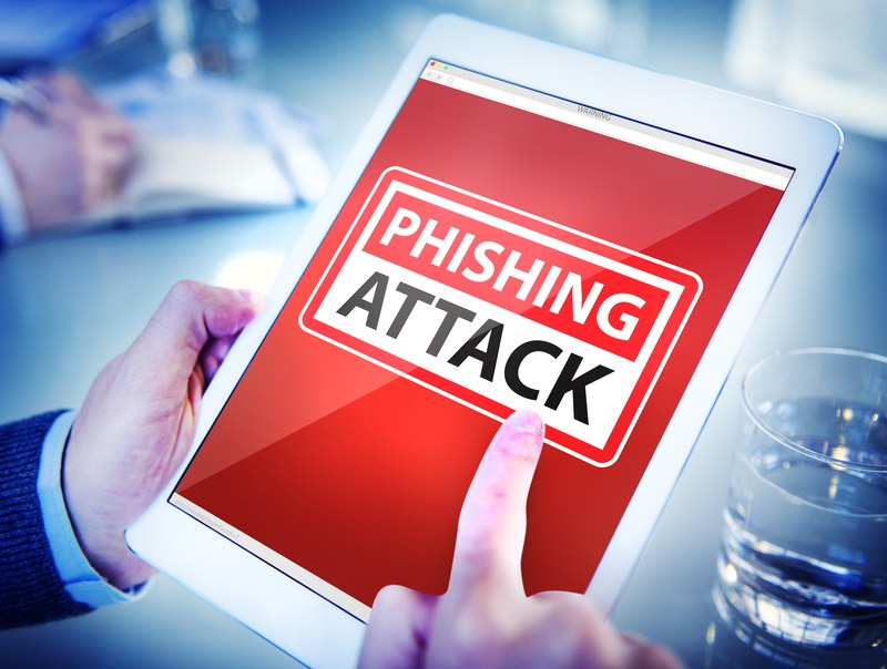 Debutto con attacco phishing per Waves