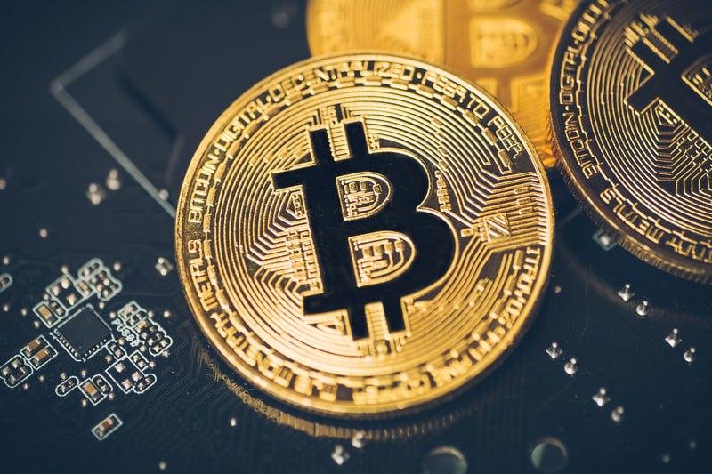 Cresce la potenza di Bitcoin, ma scendono i prezzi