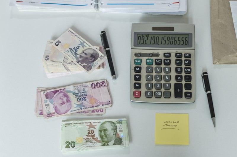 La Lira turca batte bitcoin
