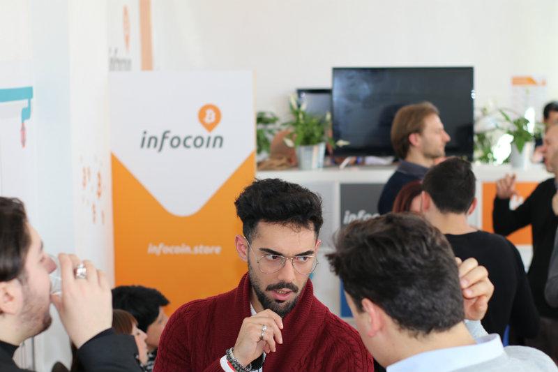 Bitcoin non è più solo virtuale, ecco com'è l'Infocoin di Roma