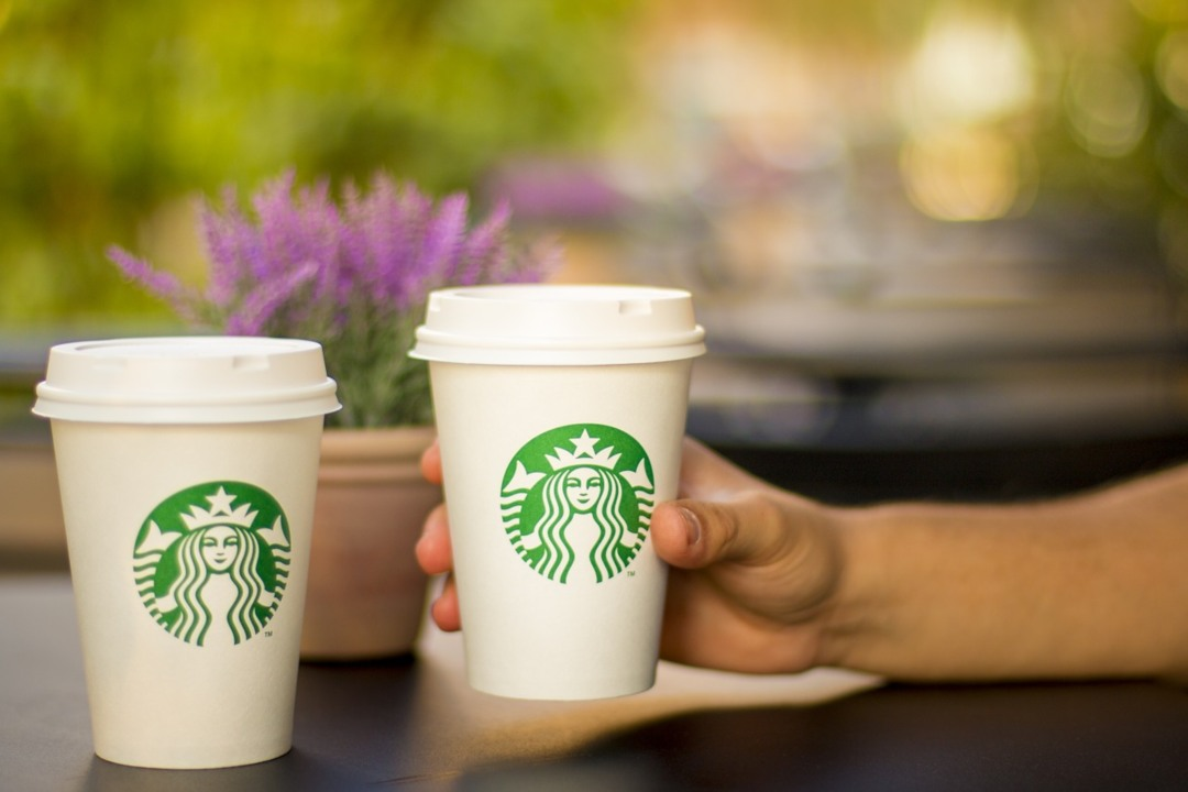 Arriva OpenNode per pagare in bitcoin da Starbucks e su Amazon
