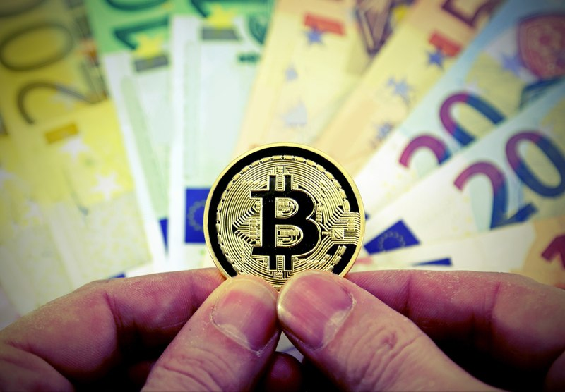 Satoshi Nakamoto: bitcoin come soluzione ai problemi del capitalismo