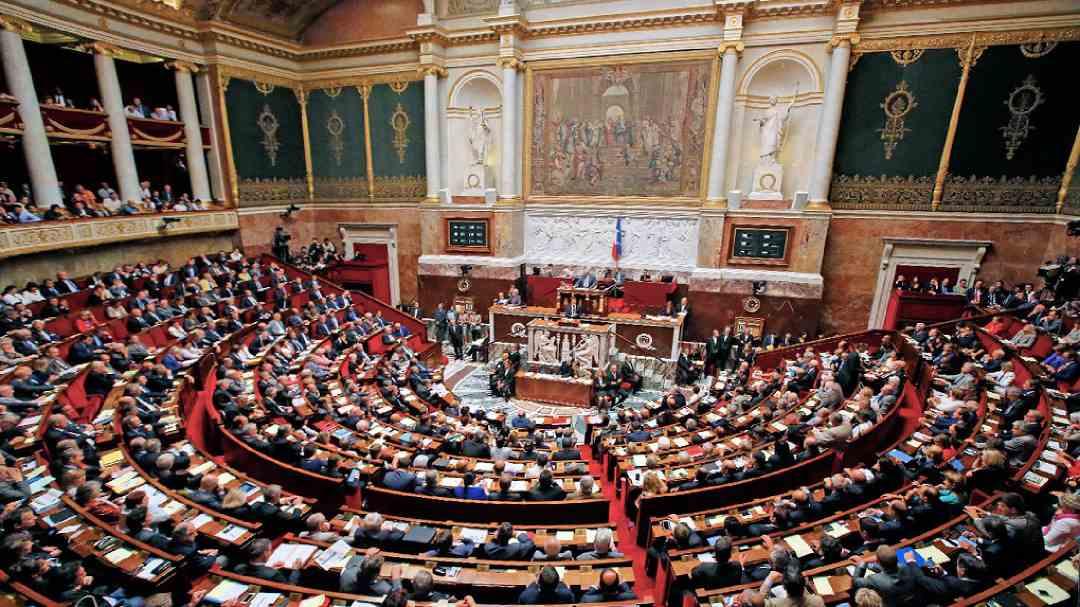 Francia: il Parlamento non riduce le tasse sulle criptovalute