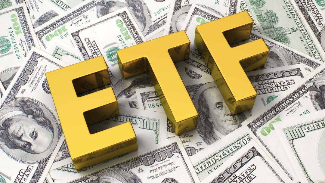 Un commissario CFTC contro la SEC per gli ETF su bitcoin
