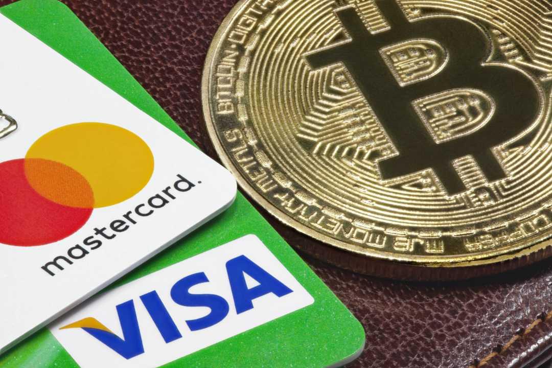 VISA e Mastercard alzano le fee. Un'occasione per bitcoin?