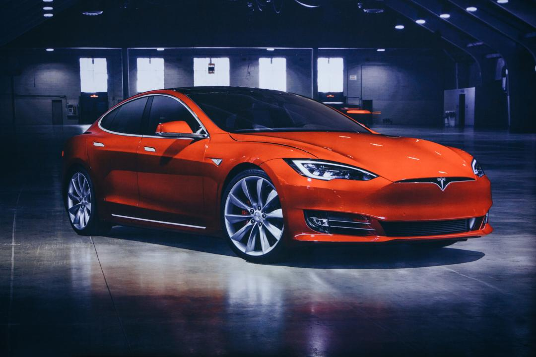 Justin Sun regala una Tesla e un airdrop da $20m