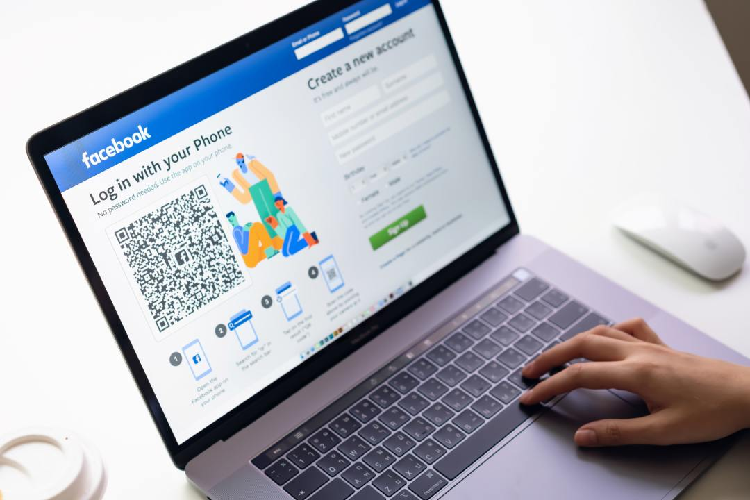 Facebook assume un consulente blockchain
