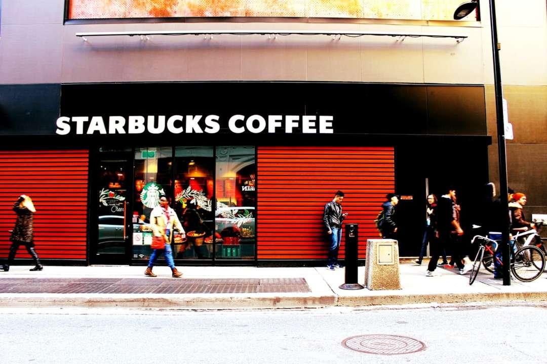 Starbucks, pagamenti in bitcoin con Bakkt. L'azienda ha ora anche le quote