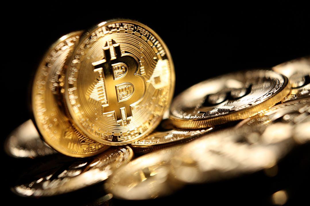 Bitcoin (BTC) vola a 13mila dollari e la dominance sfiora il 62%