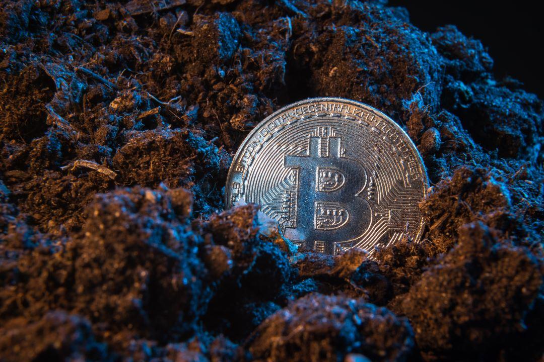 Bitcoin mining: hashrate da record e domanda di ASIC triplicata