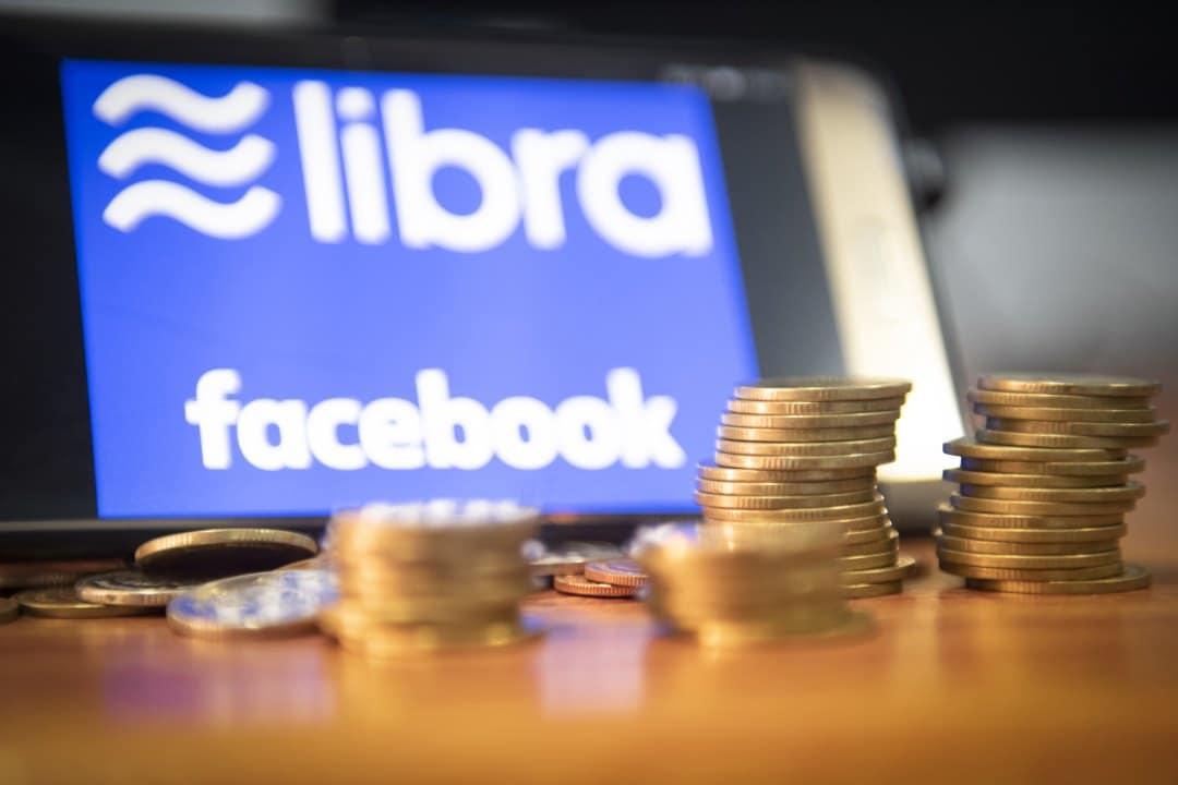 Cina: la banca centrale teme Facebook Libra