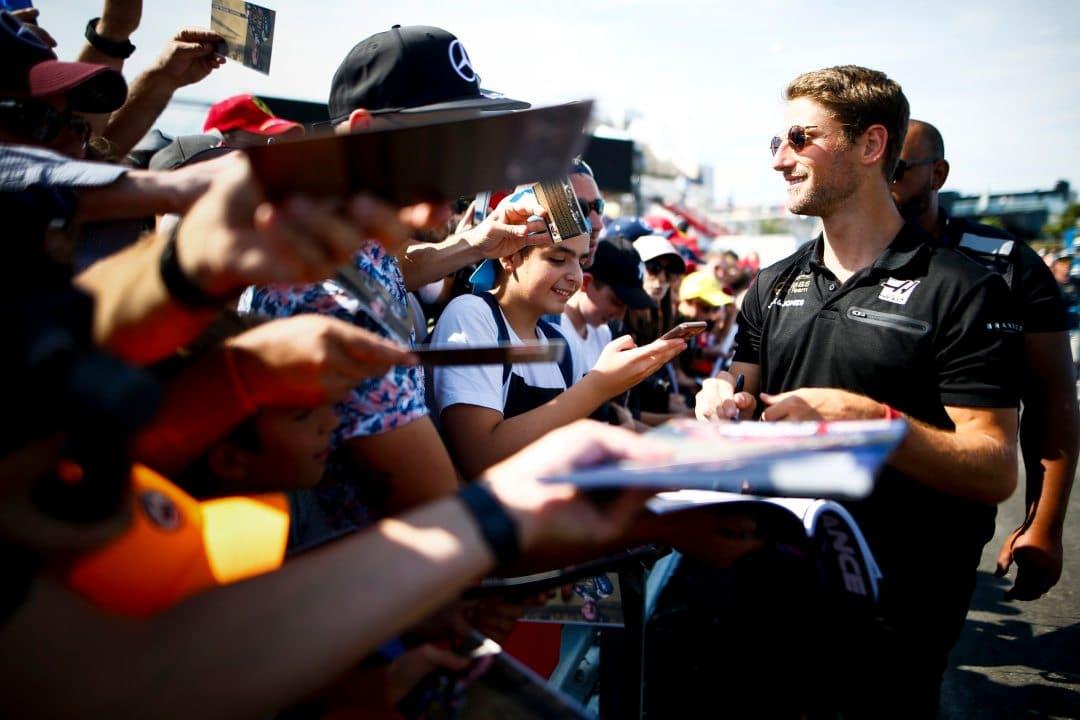 Formula 1, il pilota Romain Grosjean twitta su bitcoin