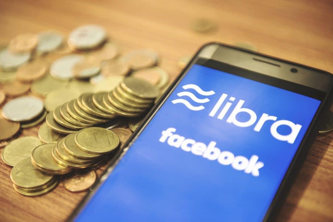 Libra, Maxine Waters vuole Zuckerberg al Congresso