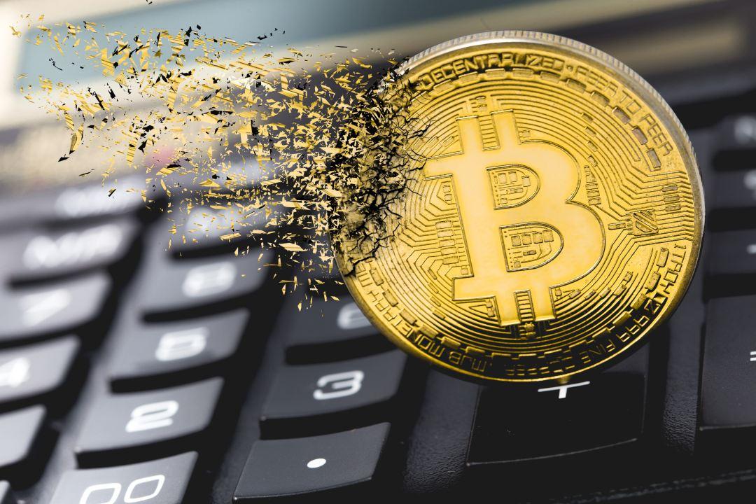 """Nouriel Roubini: """"Bitcoin vale meno di zero"""""""