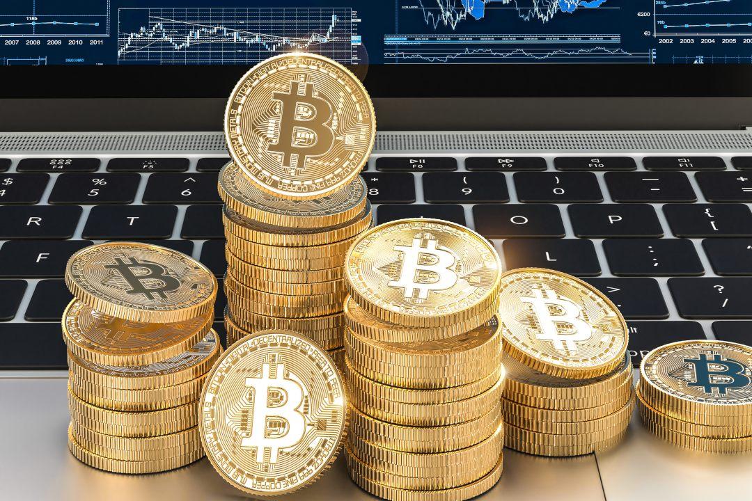 Bitcoin di nuovo a 12000 dollari