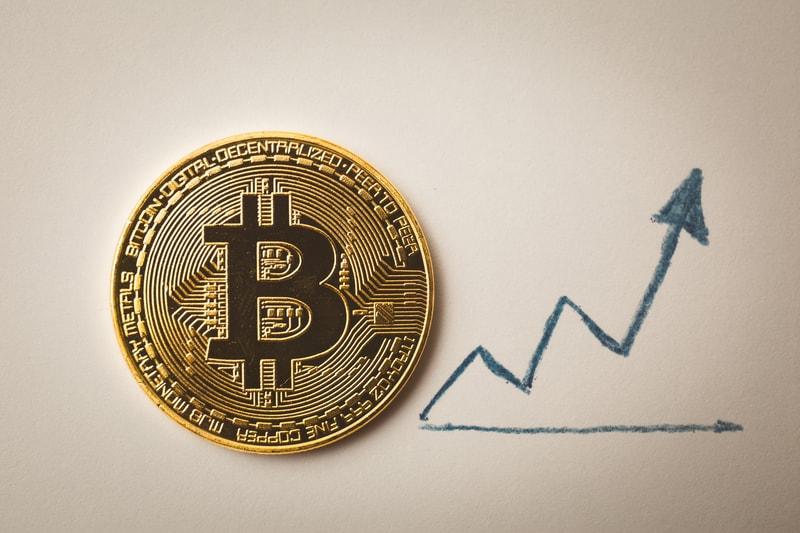 Bitcoin, prove di rimbalzo dei prezzi