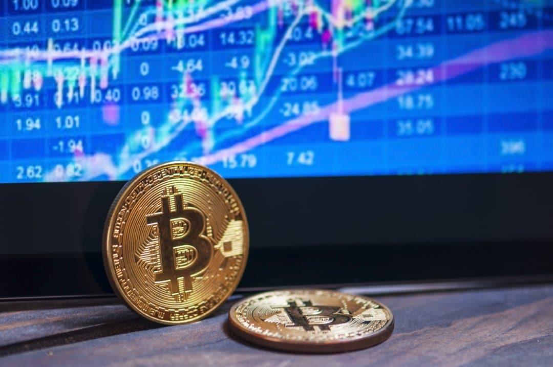 Il prezzo di bitcoin di nuovo a 10000 dollari