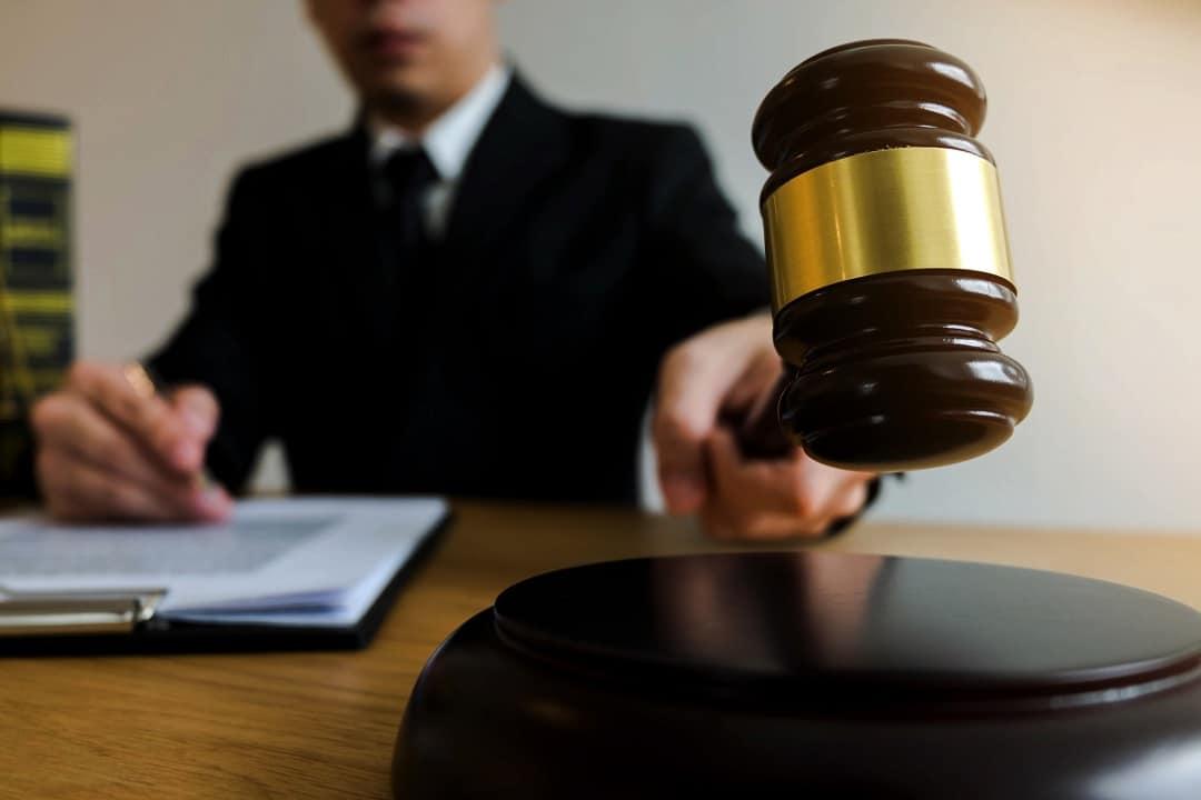 Craig Wright e la farsa su Satoshi Nakamoto: il rinvio dalla corte