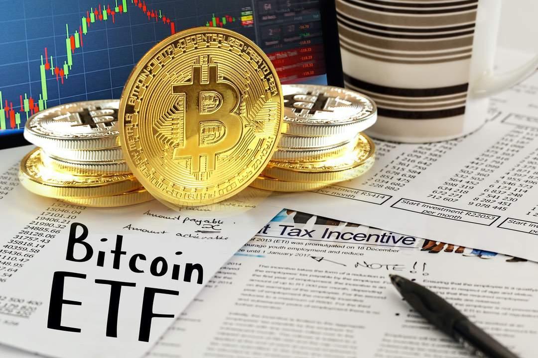 La SEC rimanda ancora la decisione per gli ETF su Bitcoin