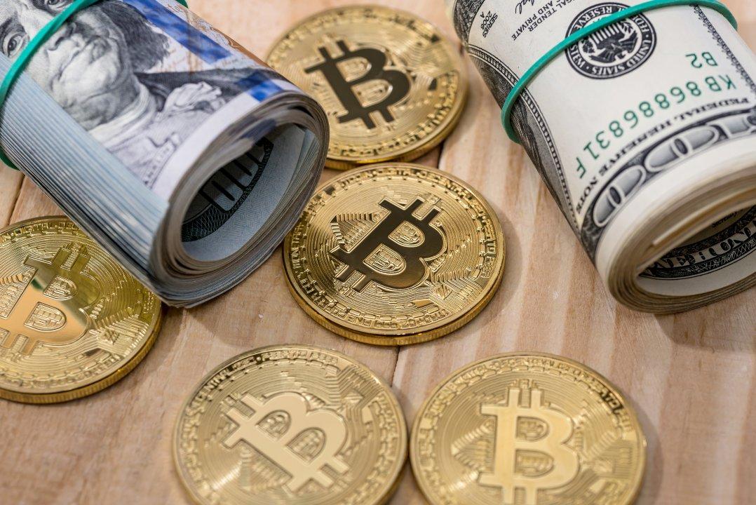 Il debito nazionale USA è più grave della bolla di bitcoin
