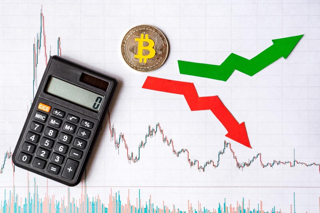 Crypto: rosso e verde si alternano
