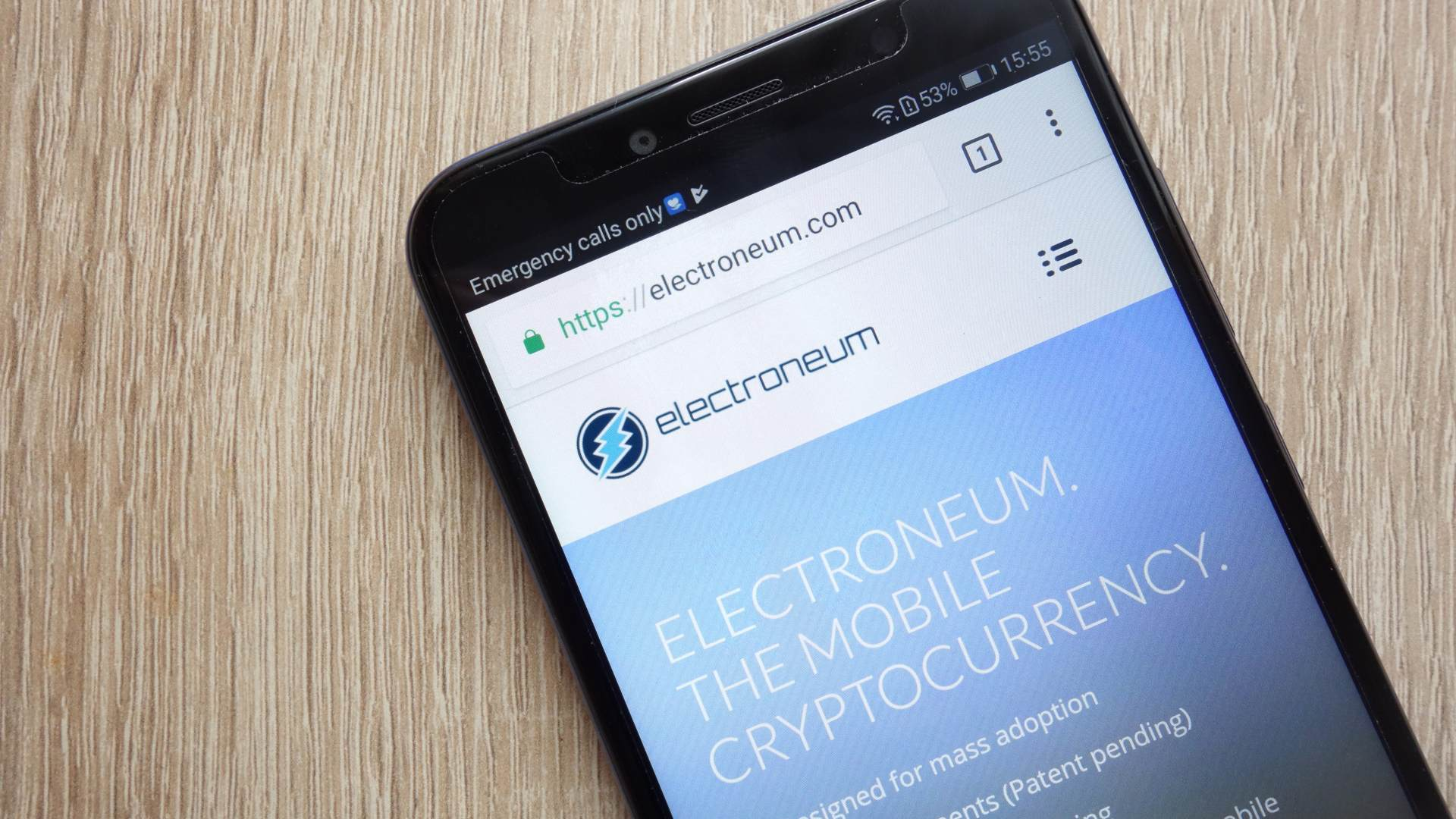 "Electroneum: ""uno smartphone crypto disponibile su Amazon per £59""."
