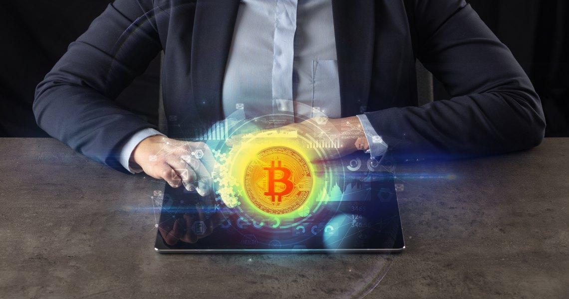 Bitcoin: 97 miliardi di dollari fermi negli ultimi 12 mesi