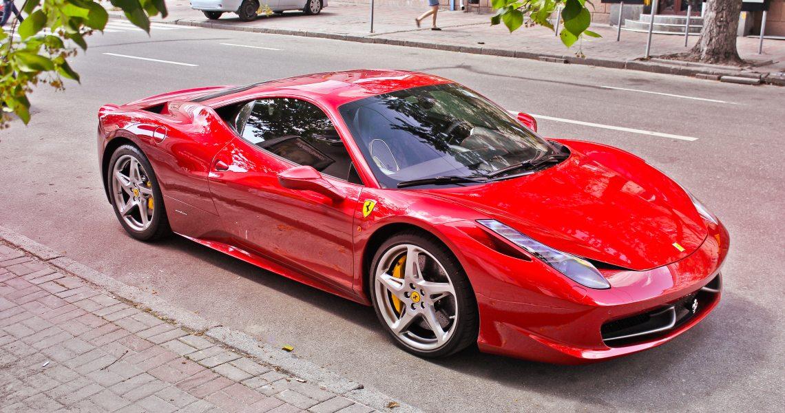 Come comprare una Ferrari con un token digitale