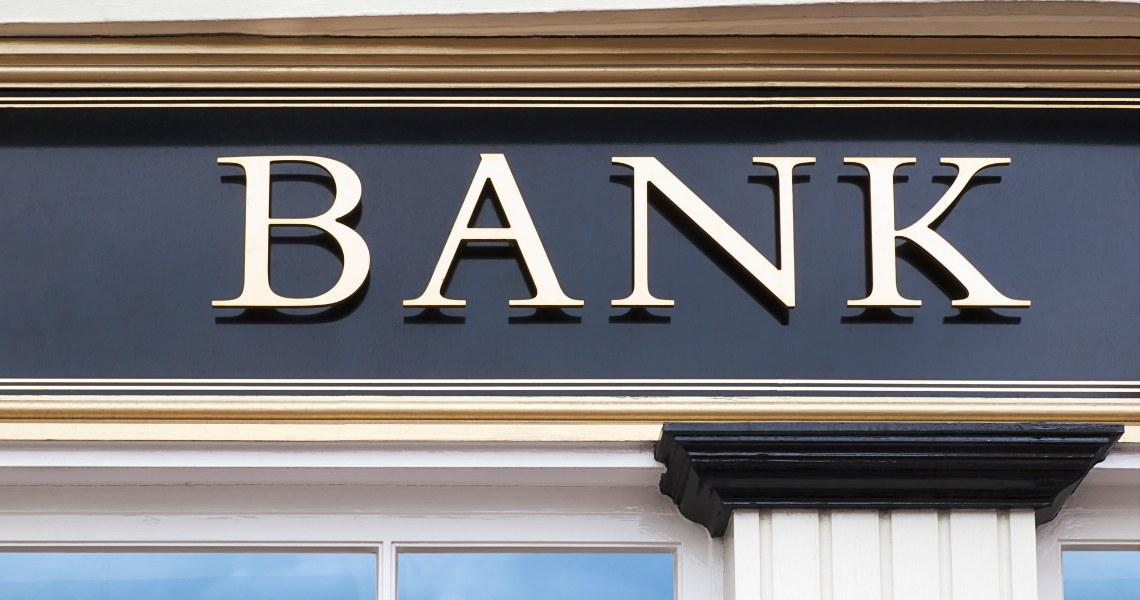 Banca francese chiude il conto di una cliente