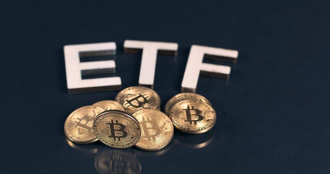 Hester Peirce contro la SEC e la bocciatura degli ETF su bitcoin