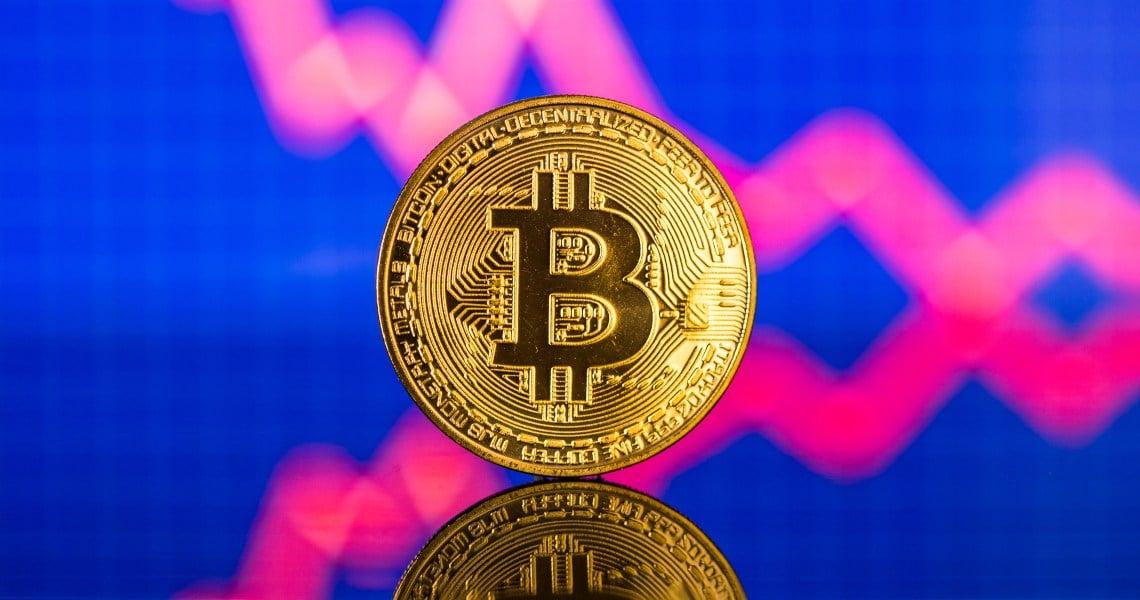 Bitcoin oggi arretra dell'1%
