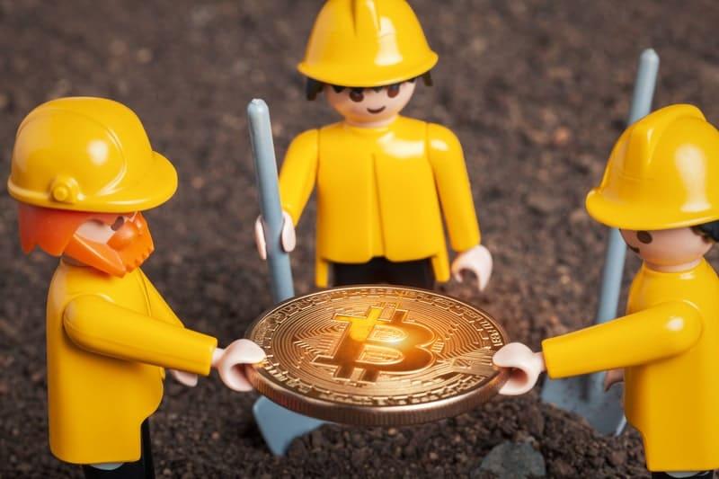 Bitmain rimborsa i miner di bitcoin