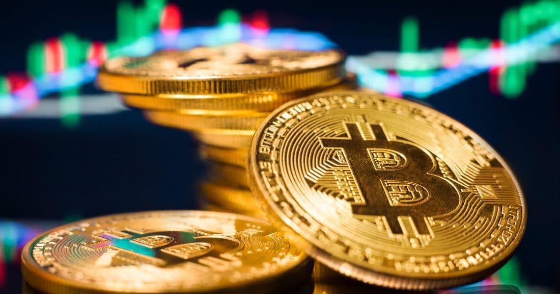 Bitcoin in pre-halving consolida il prezzo di 9000$