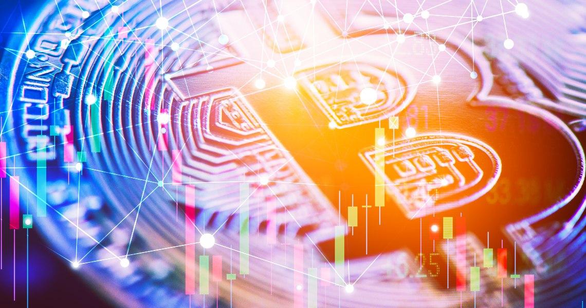 Bitcoin: il prezzo sale e torna a 9.500 dollari