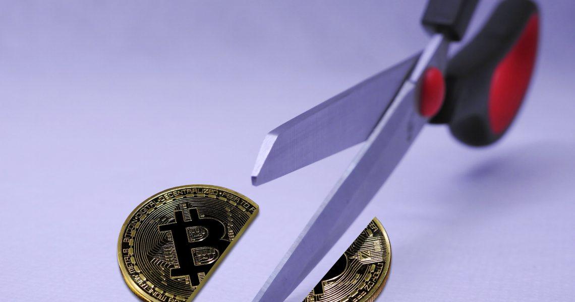Cos'è e cosa significa halving di bitcoin