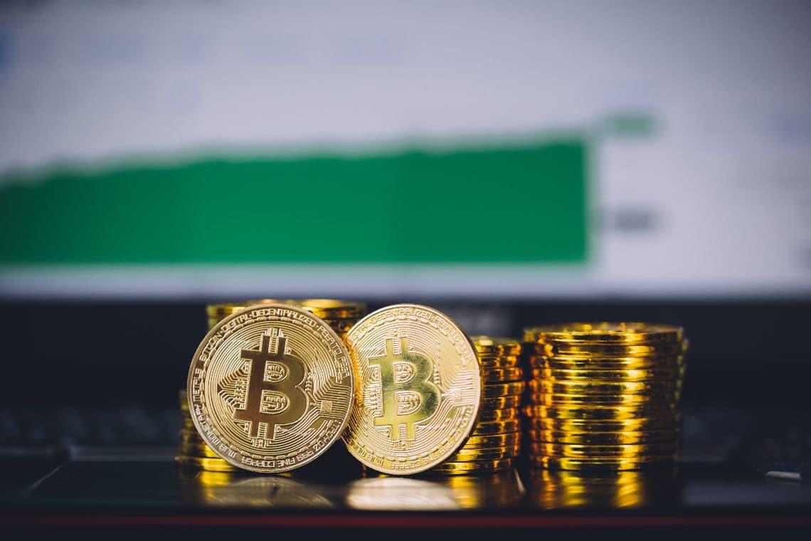 Sale il prezzo di Bitcoin ed anche le fee