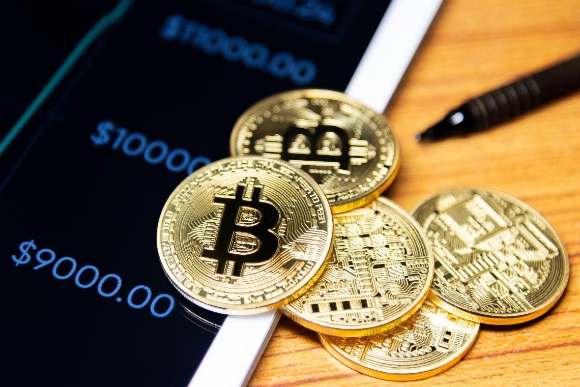 Bitcoin: si consolidano i guadagni