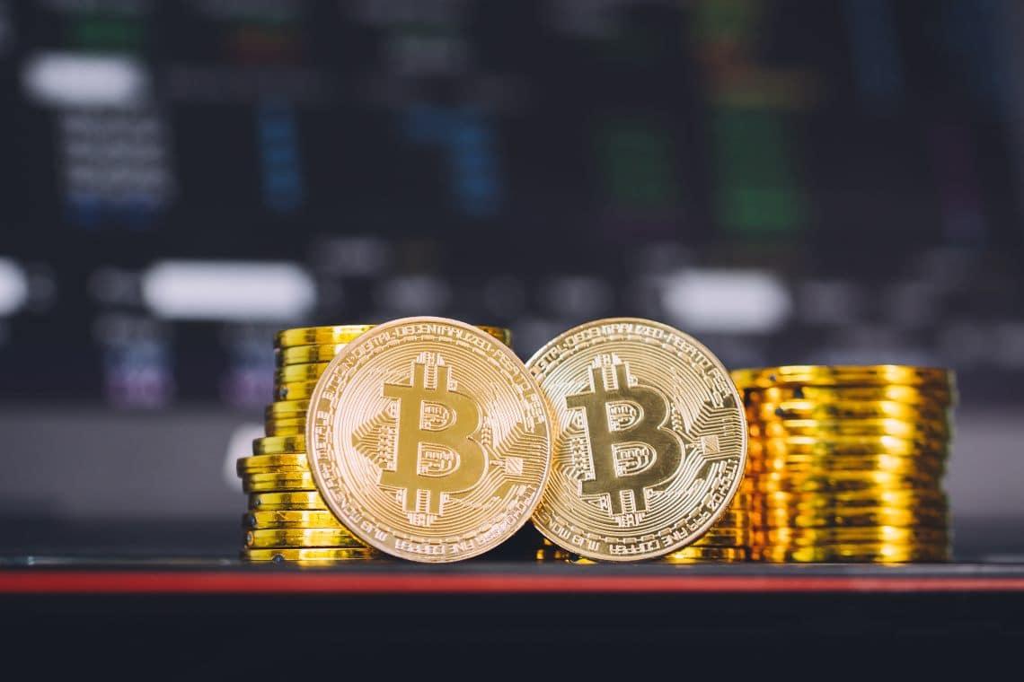 Bitcoin e oro: diretto legame tra i due prezzi