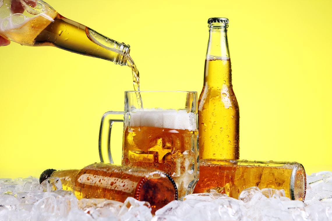 """Le birre Budweiser e Corona ora sgorgano dalla """"blockchain"""""""