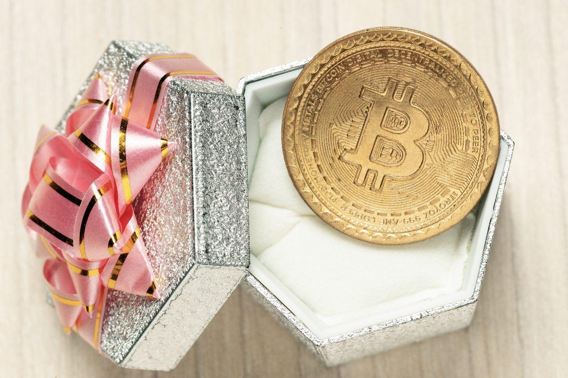 Bitcoin celebra il 12° anniversario del whitepaper