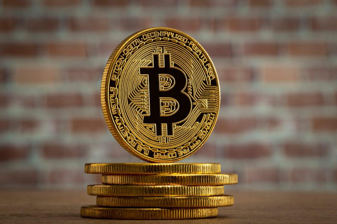 Bitcoin in crescita mentre le banche faticano