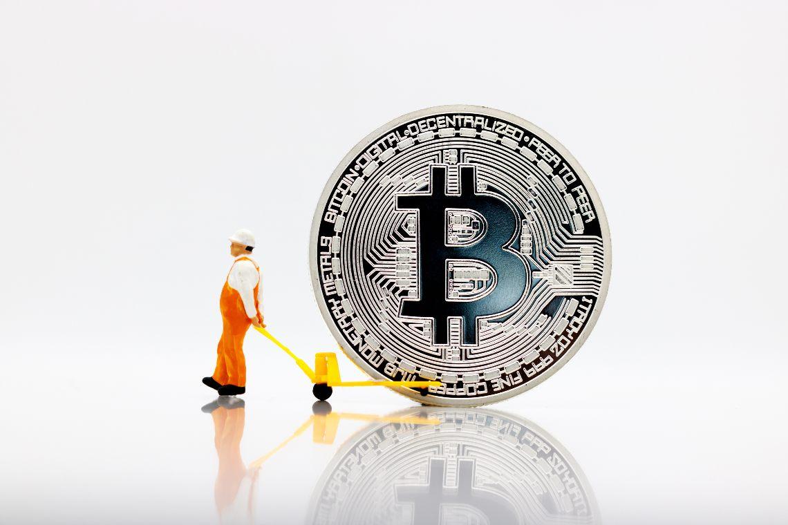 """Mossi 1000 bitcoin della """"Satoshi Era"""""""