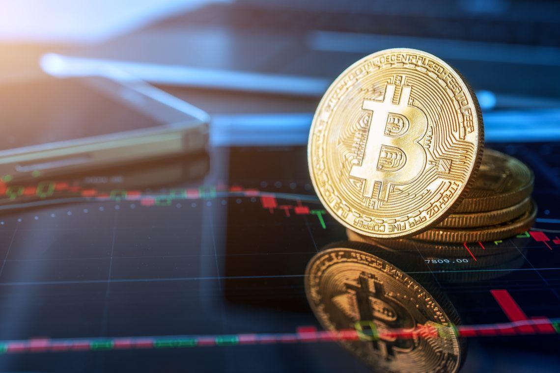 Bitcoin: il prezzo vicino ai massimi di periodo di 13.400$