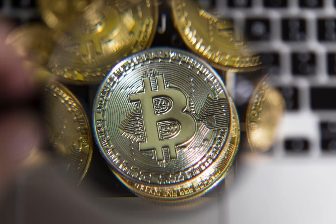 Bitcoin: dominance al 66% e prezzo sopra i $ 15.000