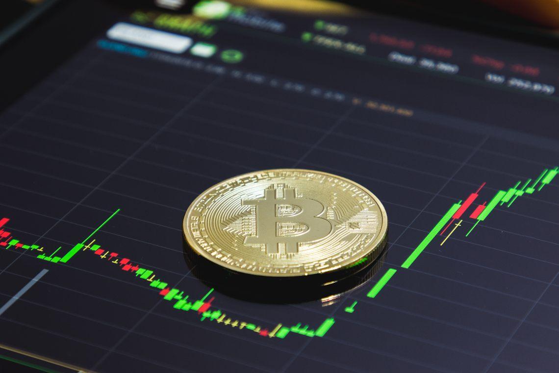 Bitcoin: alti i volumi e la volatilità
