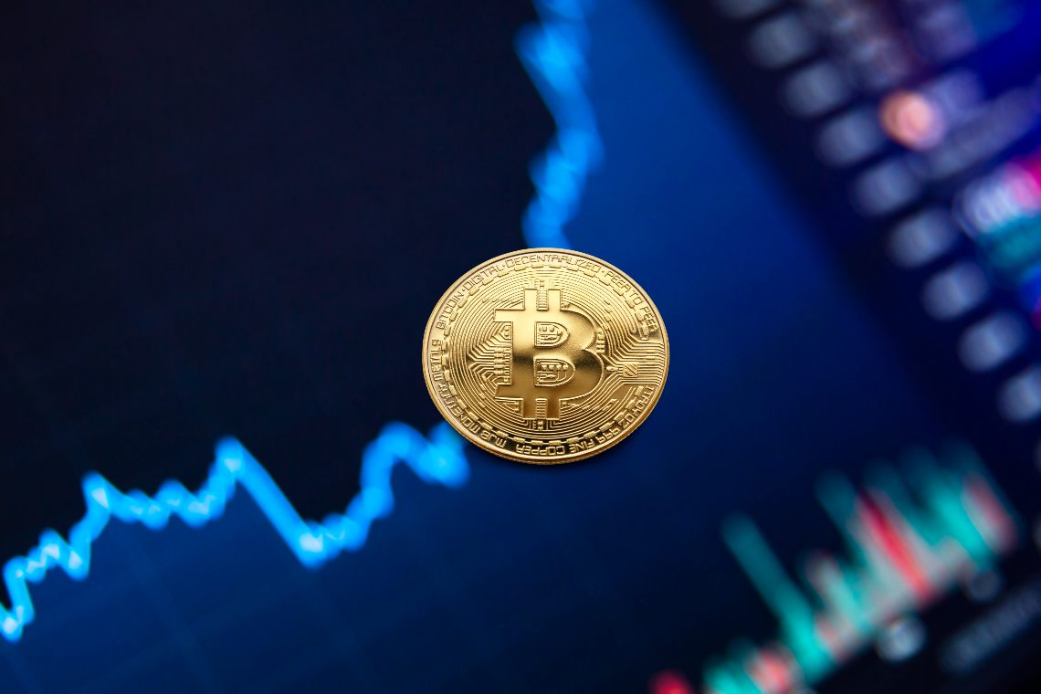 Bitcoin, +45% a novembre 2020