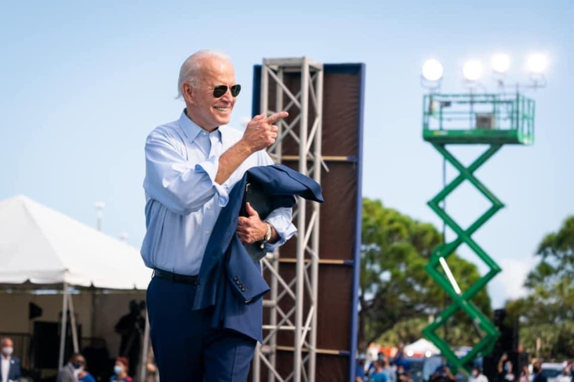 Joe Biden congela la regolamentazione dei wallet crypto